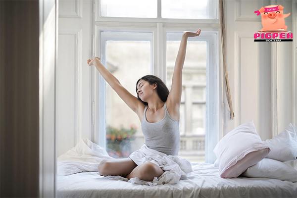 สิ่งที่ควรปฏิบัติหลังตื่นนอนตอนเช้า เพื่อสุขภาพที่ดีขึ้น สุขภาพ กีฬา ลดน้ำหนัก หุ่นดี วิ่งเพื่อสุขภาพ เทคนิคลดความอ้วน สิ่งที่ควรปฏิบัติหลังตื่นนอน